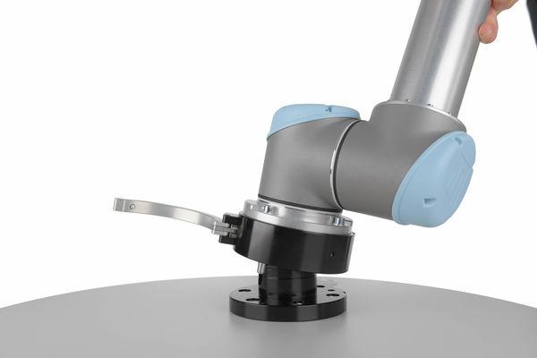 Der Grip Connector ist die Verbindung zwischen Cobot und Arbeitstisch zum schnellen Umrüsten. Wir sind Experten für Automation - Roboter & Zubehör.
